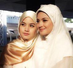 Cantik, Manis Dan Ayu Bila Lisa Surihani, Fazura Bertudung.  #Hatu Selfie  Lisa Surihani: (kahwin..kahwin)mata bulat. Emma ROhani:(Pique) Fazura: Separuh Jiwa dah nih. Kakshi: Alasan.Baek san.  Malaysia bOleh.