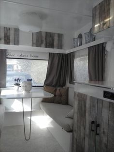 Caravan interieur 'Beachy'