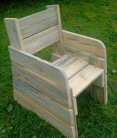 Chaise pour enfant de 2 ans en palettes