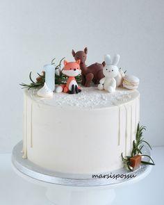 First Birthday Winter, Baby Boy 1st Birthday Party, 2nd Birthday Party Themes, Baby Birthday Cakes, Pretty Cakes, Cute Cakes, Woodland Theme Cake, Fox Cake, Birthday Cake Pictures