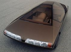 Blade Runner meets French early Eighties car design in this amazing Citroën Karin 1980 concept car that must be seen to be believed! Retro Cars, Vintage Cars, Citroen Concept, Concept Auto, Psa Peugeot Citroen, Citroen Ds, Automobile, Futuristic Cars, Ford Bronco