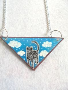 Cat in triangle necklace kitty necklace by PuepueGuzaque on Etsy Triangle Necklace, Cat Necklace, Kitty, Trending Outfits, Cats, Unique Jewelry, Handmade Gifts, Vintage, Little Kitty