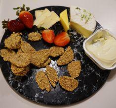 Katrine Stenhjem – Lavkarbo salte kjeks Chorizo, Nest, Dairy, Cheese, Snacks, Food, Nest Box, Appetizers, Essen