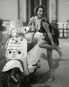 Vespa Bike, Lambretta Scooter, Scooter Motorcycle, Motorbike Girl, Vespa Scooters, Scooter Girl, Motard Sexy, Xjr 1300, Motor Scooters