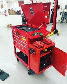 Beginners Mechanic Toolbox Setup #Mechanic #Lamborghini #ferrari #bmw #mercedes #ford #chevy  #tools #tool #impact #wrench #car #truck #wheels #rims #tires #snapon #matco #pittsburgh #harborfreight #beginner