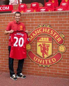 Robin van Persie in Man Utd. Best day ever! Robin Van, Van Persie, Manchester United Players, Football Highlight, Best Football Team, Sport Icon, Old Trafford, Man United, One Team