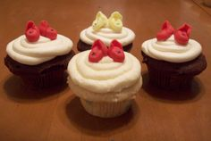Vanilla and Chocolate cupcakes with Fondant Booties.