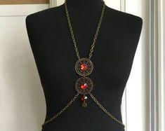 Cet article n'est pas disponible Strass Vintage, Gold Necklace, Pendant Necklace, Chain, Etsy, Jewelry, Fashion, Unique Jewelry, Weddings