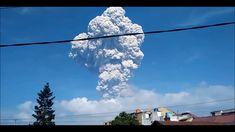 Индонезия Вулкан Синабунг  начал самое сильное извержение за историю наб...