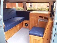 Full width bed, walk through interior