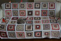 Be Happy blanket de Kestubidouilles