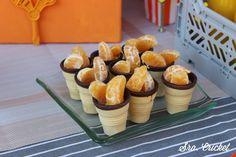 mandarina en cucurucho