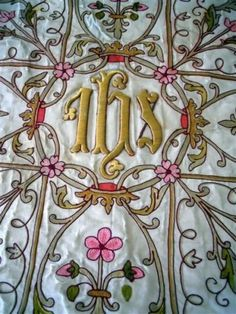 ANTIQUE-FRENCH-RELIGIOUS-SILK-GOLD-METALLIC-EMBROIDERY-19TH-CENTURY-I-H-S