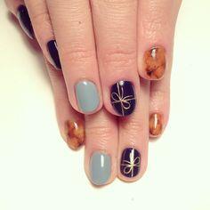 Bow nail art.