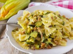 Pasta zucchine Speck zafferano e panna