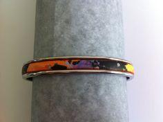 bracelet jonc argenté avec cuir plat imprimé galaxie multicolore : Bracelet par nessymatriochka