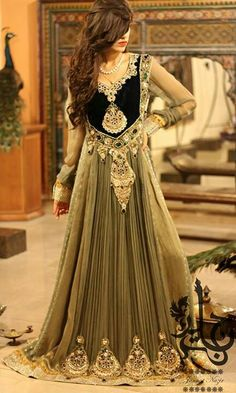 Floor Length Embroidered Anarkali Dress : Online Shopping, - Shop for great products from India with discounts and offers, Indian Clothes and Jewelry Online Shop Pakistani Couture, Pakistani Bridal, Pakistani Outfits, Pakistani Clothing, Bridal Lehenga, Anarkali Dress, Anarkali Suits, Black Anarkali, Punjabi Suits