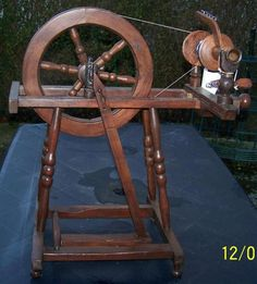 Bild 6 - Handarbeit, Basteln - Spinnrad 1 fädig Flügel gebremst Linkstritt
