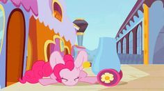 Everypony loves a signature pinkie pie party! Our mission is to bring all of the wonderful cupcakes, hot sauce, oatmeal, and balloons here that you need to have one. My Little Pony Costume, Mlp My Little Pony, My Little Pony Friendship, Pinkie Pie Party, Pink Pie, Balloons, Mlp Pony, Cartoon, Ponies