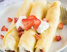 Easy homemade crepes with a delicious strawberry and cream filling. You can enjoy Strawberries and Cream Crepes for a fancy breakfast or dessert. Creaps Recipe, Brunch Recipes, Dinner Recipes, Pancake Recipes, Waffle Recipes, Bread Recipes, Dessert Recipes, Breakfast Crepes, Mexican Breakfast