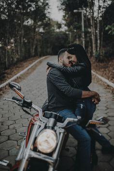 Biker Photoshoot, Couple Photoshoot Poses, Couple Posing, Wedding Photoshoot, Honeymoon Photography, Bike Photography, Couple Photography Poses, Biker Couple, Motorcycle Couple