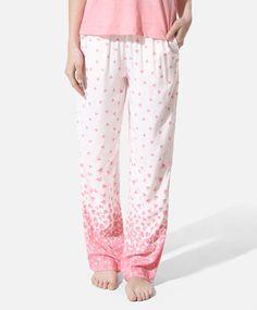Heart print pants, null£ - null - Find more trends in women fashion at Oysho . Sleepwear & Loungewear, Nightwear, Pyjamas, Pjs, Heart Print, Printed Pants, Couture, Lounge Wear, Pajama Pants