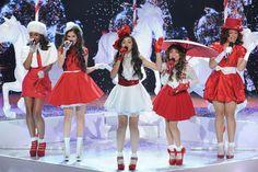 """Fifth Harmony em clima de Natal no clipe de """"All I Want For Christmas Is You"""" - http://metropolitanafm.uol.com.br/musicas/fifth-harmony-em-clima-de-natal-no-clipe-de-want-christmas"""