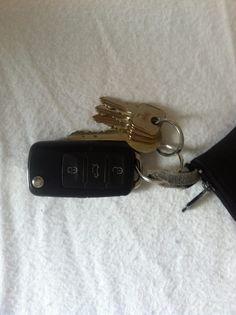 Ja und ohne Autoschlüssel und Türschlüssel geht nicht