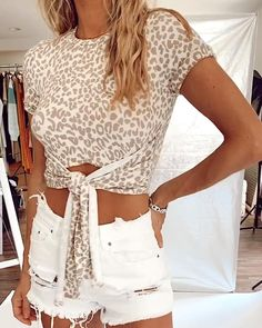 LEOPARD TIE FRONT TOP Crop Top Outfits, Trendy Outfits, Cute Outfits, Top Jeans, Denim Fashion, Trendy Fashion, Iranian Women Fashion, Junior Fashion, Clothing Hacks