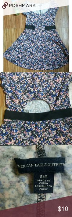 AMERICAN EAGLE Floral Skater dress Dress with a beautiful floral design, has kind of a black belt as seen in photos. Also has a spot in the back that shows which is super cute. Amazing for summer. 95% cotton 5% elastane American Eagle Outfitters Dresses Mini
