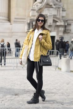The best street style from Paris fashion week - Vogue Australia Cool Street Fashion, Paris Fashion, Vogue Australia, High End Fashion, Bomber Jacket, Good Things, Coat, Street Styles, Jackets