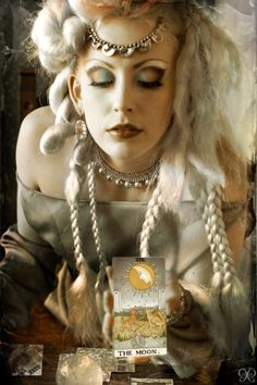 Make up, jewelry, hair Dark Circus, Costume Halloween, Halloween 2017, Halloween Ideas, Wiccan, Witchcraft, Photoshoot Idea, Gypsy Fortune Teller, Gypsy Moon
