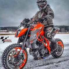 #ktm ______________________________________________ #bikelife #Instamotogalery #bikervideos #moto #motor #bike #repost #photooftheday #yamaha #motorcycle #motocross #motorbike #honda #ktm #bmw #car #sportbiker #like4like #gopro #seguidores #kawasaki #ducati #cbr #followme #suzuki #eusouduasrodas by eusouduasrodas