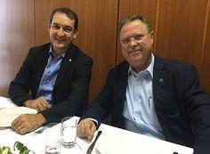 Renato se reúne com o Ministro da Agricultura http://www.passosmgonline.com/index.php/2014-01-22-23-07-47/politica/10451-renato-se-reune-com-o-ministro-da-agricultura