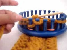 ▶ Loom Knitting: 4 Stitch Left Cross Cable - YouTube