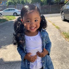 So cute viral_qtDM for cheap promo/shoutout prices. Model: bbybailei Please SHARE and TAG a friend Cute Mixed Babies, Cute Black Babies, Black Baby Girls, Cute Little Girls, Cute Babies, Mix Baby Girl, Cute Baby Girl, Cute Hairstyles For Kids, Baby Girl Hairstyles