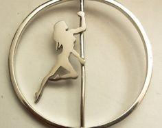 Colgante poledancer de plata con movimiento, bailarina de poledance, poledancer, colgante de plata hecho a mano, joyas con movimiento -       Editar anuncio   - Etsy