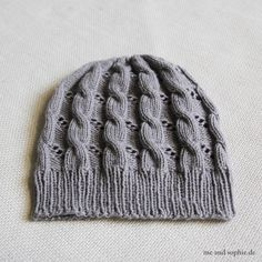 Hermione's Cable & Eyelet Hat 02