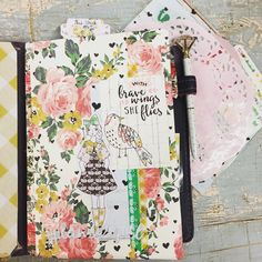 "153 Likes, 9 Comments - Leslie Pace (@paperandstitchco) on Instagram: ""💕I am absolutely smitten with the January kit by @theplannersociety 💕 Remember back in the day when…"""