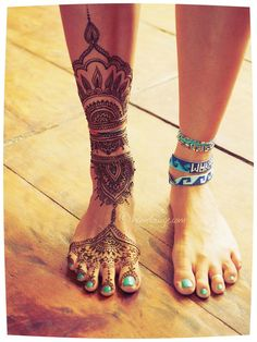 Incredible foot and leg henna tattoo