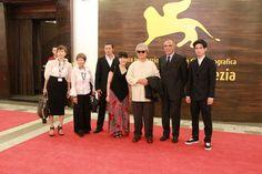 Présentation de THE MILLENNIAL RAPTURE avec l'équipe du film sur le tapis rouge à la Mostra de Venise