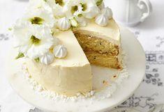 Lemon and passionfruit meringue buttercake Baking Recipes, Cake Recipes, Dessert Recipes, Passion Fruit Cake, Syrup Cake, Passionfruit Recipes, Decadent Cakes, Beautiful Desserts, Little Cakes