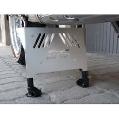 Centerstand skidplate for the R1200 GS LC which extends protection from the sumpguard / engine skidplate. Made of 3MM aluminum with four clamps that secure the guard to the stand, this will help fully protect the underside of your GS.