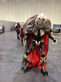 Star Wars General Grievous Cosplay - the cosplayer is hidden in the cape! Hit the link to see video of him walking; it's fantastic.