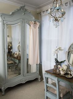 Shabby Chic Bedrooms, Bedroom Vintage, Shabby Chic Homes, Shabby Chic Decor, Vintage Home Decor, Vintage French Decor, Shabby French Chic, Vintage Style, French Bedroom Decor