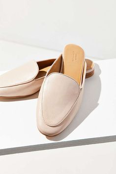 80fbb99d5 driving loafer mule Spring Work Outfits, Spring Fashion Outfits, Casual  Work Outfits, Work