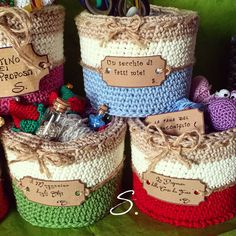 Cestini a uncinetto. Basket crochet. Tags crazy ideas.
