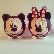 Resultado de imagen para alcancias de marrano decoradas de peppa Disney Diy Crafts, Diy Crafts Hacks, Cute Crafts, Diy And Crafts, Pottery Painting, Ceramic Painting, Minnie, Mickey Mouse, Pig Bank