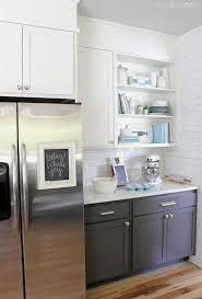 Choosing two tone kitchen cabinets makes it possible to endanger on the kitchen style! Two tone kitchen cabinets-- jazzing up residences. Two Tone Kitchen Cabinets, Kitchen Soffit, Kitchen Cabinet Colors, Grey Cabinets, Room Kitchen, Upper Cabinets, Modern Cabinets, Kitchen Cabinetry, Kitchen Paint