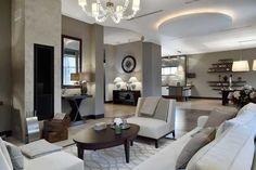 Интерьер этого дома в Подмосковье не лишен стиля и отменного чувства вкуса. Интерьер выдержан в стильной нейтральной гамме, вся мебель изысканная